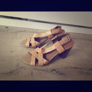Franco Sarto Tan Strappy Chunky Sandals Sz 10